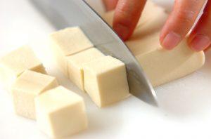 ダイエットの味方&クマ対策に!普通のお豆腐よりこうや豆腐がオススメな理由